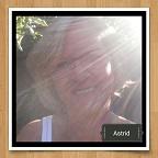 Medium Astrid Kloet